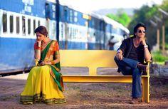Meenamma (Deepika) and SRK at station from Chennai Express