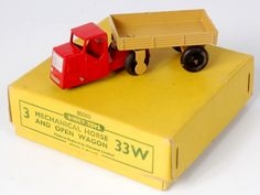 Lot 2013 - Dinky Toys, 33W tradebox, mechanical horse and open wagon, type 4 example with 50060 code,