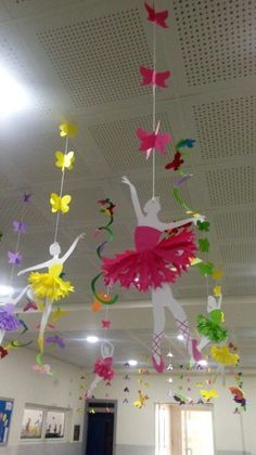 School Decoration Ideas for Spring Season - Craft decorating spring Cute Kids Crafts, Preschool Crafts, Diy And Crafts, Paper Crafts, Class Decoration, School Decorations, Birthday Decorations, Board Decoration, Mobil Origami