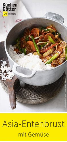 Asian duck breast with vegetables- Asia-Entenbrust mit Gemüse Far East at its best: Sauté the duck strips only briefly, but spicy, so that the meat remains juicy and tender. We& show you the recipe for Asian duck breast with vegetables. Pork Chop Recipes, Meatloaf Recipes, Turkey Recipes, Fish Recipes, Vegetable Recipes, Seafood Recipes, Asian Recipes, Appetizer Recipes, Crockpot Recipes