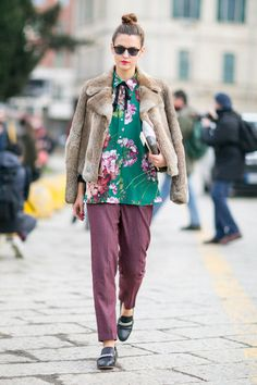 Pin for Later: The Best Street Style Looks From Milan Fashion Week Day 1 Fashion Milan, Milan Fashion Week Street Style, Fashion Week 2016, Cool Street Fashion, Fashion Trends, Street Style Vintage, Top Street Style, Street Style 2016, Autumn Street Style