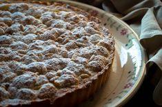 Una torta della nonna per festeggiare