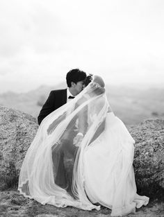 Amazing bride and groom portraits by Erich McVey throughout this wedding! Stunning Outdoor New Zealand Wedding