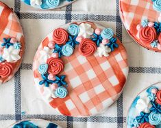 Red White and Blue Water Color Gingham Cookies Royal Icing Sugar, Royal Icing Flowers, Royal Icing Cookies, Iced Cookies, Sugar Cookies Recipe, Icing Colors, Cookie Designs, Cookie Ideas, Flower Cookies