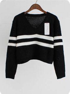 Cropped V-Neck Oversized Knit Sweater
