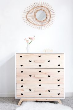 DIY armoire-enfant-stickers-chat-miroir-rotin-2 by @helloblogzine