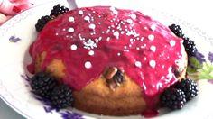 Himbeerkuchen mit getrockneten Himbeeren   glutenfrei backen Hamburger, Breakfast, Videos, Ethnic Recipes, La Mode, Raspberries, Cakes, Nature, Food Food