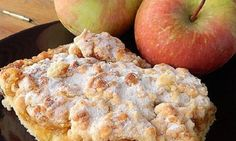 Συνταγή για πεντανόστιμη μηλόπιτα! Pineapple Cake, Sweet Stories, Confectionery, Sweet Recipes, Oatmeal, Muffin, Appetizers, Banana, Fruit