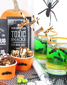 Halloween Party Dessert Display Tips from @bakerspartyshop | Host a spooky Halloween party