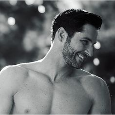 - Cinema - Movies and Series Movies, Tv Series, Fangirl, Tom Ellis Lucifer, Vampire, Hommes Sexy, Morning Star, Hot Actors, Angels And Demons