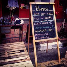 Salão Bardot na rua