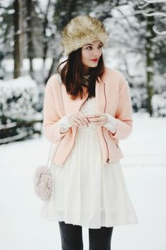 Polienne: SNOW, PASTELS AND FURRY THINGS