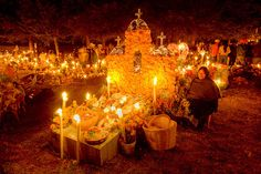 Día de Muertos en Janitzio! Janitzio is a little Island where tehy celebrate the day of the dead every year, all the Island iluminates with the light of tousand of candels guiding the dead to the living world.