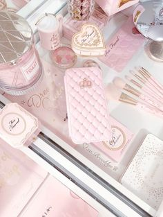 Baby Pink Aesthetic, Princess Aesthetic, Cute Pink, Pretty In Pink, Pastel Pink, Blush Pink, Rose Gold Christmas Decorations, Tout Rose, Girly Phone Cases