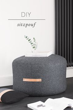 Fabulous DIY Poufs and Ottomans - DIY Pouf Ottoman - Step by Step Tutorials and Easy Patterns for Cool Home Decor. Crochet, No Sew, Leather, Moroccan Boho, Knit and Fun Fur Projects and Chair Ideas Diy Divan, Diy Home Decor For Apartments, Diy Ottoman, Ottoman Ideas, Leather Pouf Ottoman, Tufted Ottoman, Ottoman Bench, Floor Pouf, Diy Hanging Shelves