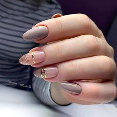 Acrylic Nails Coffin Pink, Gold Glitter Nails, Oval Shaped Nails, Oval Nails, Chic Nails, Stylish Nails, Elegant Nails, Classy Nails, Almond Nail Art