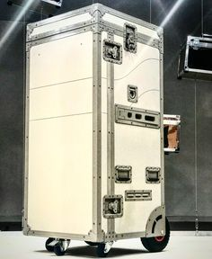 Flight case equitazione cassoni Total sabbia cavaliere riding flightcase road case www.laErre.com info@laErre.com