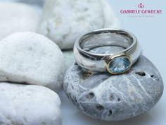 Sinnlicher Silberring mit blauem Aquamarin von Schmuckbotschaften auf DaWanda.com