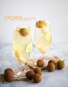 This lychee sangria is a winner. Easy to make and super refreshing, it is destined to be a party favorite. Cocktail And Mocktail, Wine Cocktails, Mojito, Fruit Drinks, Fruit Smoothies, Party Drinks, Meals, Birthday
