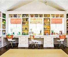 It pays to have an organized and comfortable home school room. Here are some ideas to help get you started. Home School Room This is such a great organized home school room. Highly Functional School Room This such a Room Ideias, Kids Study, Study Space, Study Areas, Desk Space, Study Rooms, Teen Study Room, Home Study, Built In Desk