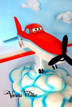 Chocolate Mudcake decorated with fondant. Cake Topper Tutorial, Fondant Tutorial, Disney Planes Cake, Disney Cars, Airplane Party, Airplane Cakes, Cakes For Boys, Kid Cakes, Movie Cakes