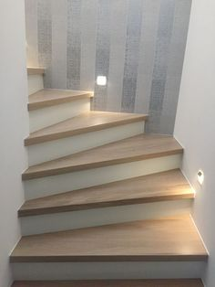 Eiche Stufen auf Beton Treppenbelag – das Original – direkt vom Hersteller Unner… Oak steps on concrete staircase – the original – directly from the manufacturer Unnerstall stairs Concrete Staircase, Staircase Design, Stairs Covering, Home Wet Bar, Escalier Design, Stair Lighting, Bedroom Murals, House Stairs, Cottage Homes