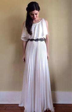 Вечернее платье в греческом стиле с плиссировкой