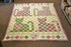 paintings of cats on quilts Butterfly Quilt, Bird Quilt, Dog Quilts, Animal Quilts, Small Quilts, Mini Quilts, Cat Quilt Patterns, Gatos Cats, Star Quilt Blocks