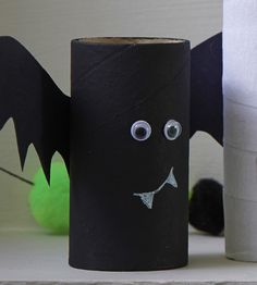 How to Make Halloween Toilet Roll Craft #Halloween #KidsCraft #Bat
