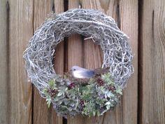 Zimný veniec na zavesenie Burlap Wreath, Hanukkah, Wreaths, Home Decor, Decoration Home, Door Wreaths, Room Decor, Burlap Garland, Deco Mesh Wreaths