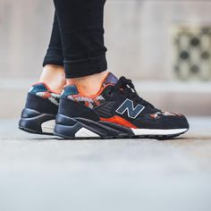 Titolo Sneaker Boutique sur Instagram : New Balance WRT580PW WRT580PW 'Black/Red' Available now @titoloshop