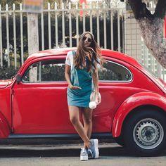 Tá no blo Vw Camper, Car Poses, Bus Girl, Tumbrl Girls, Vw Vintage, Foto Casual, Vw Cars, Female Friends, Foto Pose