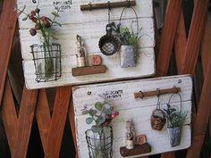 新作たち ロハスに連れていきますので シュガーさんのブース(31番)に来てくださいね♪  作品に使っている 瓶や小物の在庫がなくなってしまっ... Miniature Crafts, Miniature Food, Shabby Chic Accessories, Wall Decor Design, Plant Decor, Wire Crafts, Wire Art, Planting Succulents, Decoration Noel