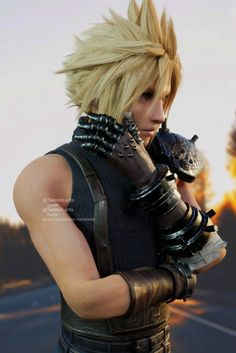 Final Fantasy Vii Remake, Fantasy Series, Sora Kingdom Hearts, Cloud Strife, Game Character, Gorgeous Men, Cosplay, Clouds, Bleach