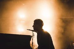 """Tom Odell performs new song """"Magnetised"""" on The Tonight Show Starring Jimmy Fallon / イギリスのシンガー・ソングライターTom Odellがテレビ番組「The Tonight Show」で「Magnetised」をパフォーマンスした。"""