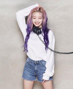 K-Pop Babe Pics – Photos of every single female singer in Korean Pop Music (K-Pop) Nayeon, K Pop, Kpop Girl Groups, Korean Girl Groups, Kpop Girls, Twice Jyp, Tzuyu Twice, Daehyun, 9th Anniversary