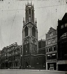 St Dunstan in the West, Fleet Street, London 1910 London Pictures, London Photos, London History, British History, Vintage London, Old London, London Street, London City, London Drawing
