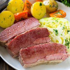 This slow cooker corned beef and cabbage is seasoned corned beef cooked with potatoes, carrots and cabbage.