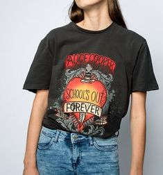 alice cooper statement tshirt Rock Chick Style, Alice Cooper, Statement Tees, Street Style Trends, Style Guides, Retro Fashion, Casual Shirts, Trending Outfits, Mens Tops
