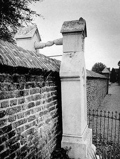 tumulos de um casal, ela, católica, ele, protestante