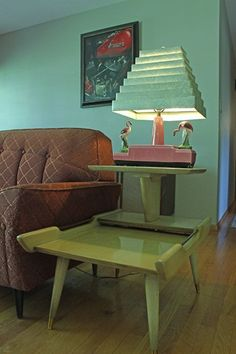 Looks like My Aunt Mary's Living room with this vintage lamp and blonde table #Lamps