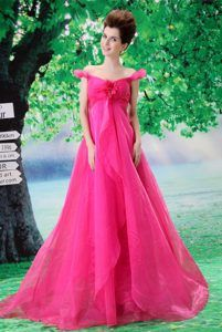 Off-The-shoulder Brush Train Ruched Hot Pink Organza Prom Dresses with Flower