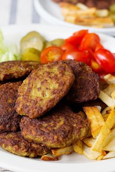 Kotlet aka Persian meat patties is a of a kind and an all-time favorite. These ground beef cutlets make the best on-the- Meat Recipes, Indian Food Recipes, Dinner Recipes, Cooking Recipes, Ethnic Recipes, Cooking Blogs, Beef Cutlets, Iran Food, Essen