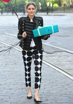 Love the Finish brand Marimekko! Olivia Palermo in Banana Republic Marimekko Style Olivia Palermo, Olivia Palermo Lookbook, All About Fashion, I Love Fashion, Travel Fashion, Estilo Fashion, Ideias Fashion, Vanity Fair, Banana Republic