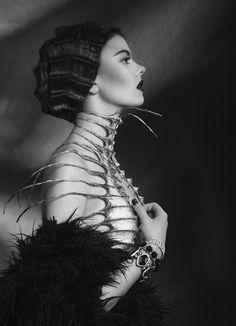 Reptilian Madness    photographer: Kate Strucka  stylist: Paulina Szumotalska  model: Alexandra Szczęsna
