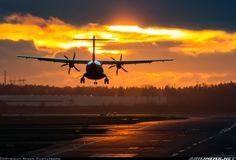4 Photos, View Photos, Cool Photos, Atr 72, Jet Engine, November 23, Commercial Aircraft, Aircraft Pictures, Aeroplanes