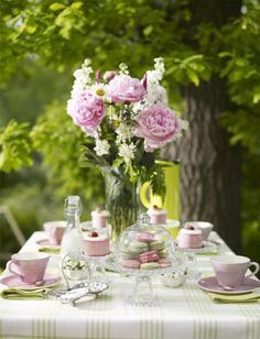 Beautiful use of pink and green for garden party table decor