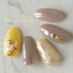 Chic Nail Designs, Gel Nail Designs, Japanese Nail Design, Japanese Nails, Aloha Nails, Japan Nail, Yellow Nail Art, Nail Art Studio, Modern Nails