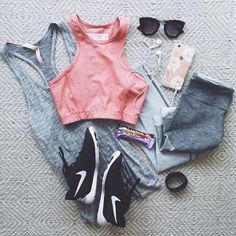@livvylandblog on Instagram / Best Workout Outfit Ideas