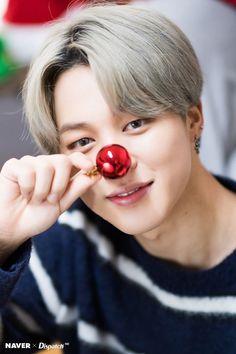 191224 Dispatch X BTS Christmas unwhitewashed Park Jimin lockscreens/ wallpapers Bts Jimin, Bts Bangtan Boy, Bts Taehyung, Jikook, Seokjin, Namjoon, Busan, Foto Bts, Mochi